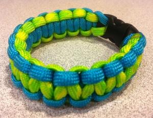 del paracord bracelet